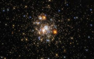 Hubble Captures Sparkling Cluster